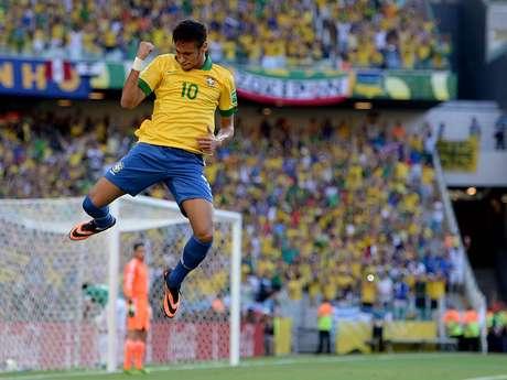 <p>Neymar voltou a marcar um belo gol e garantiu a vitória do Brasil</p>
