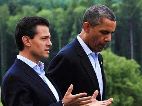 <p>El presidente Enrique Peña Nieto conversó esta mañana vía telefónica con el presidente de Estados Unidos, Barack Obama. Los mandatarios han acordado mantener una estrecha comunicación e intercambiar impresiones periódicamente sobre los principales temas bilaterales, regionales y globales, informó la Secretaría de Relaciones Exteriores (SRE).</p>