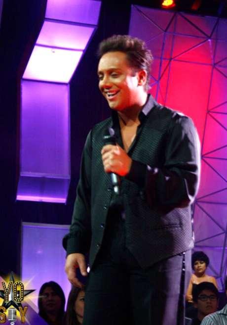 Jano Canavesi imita a Luis Miguel