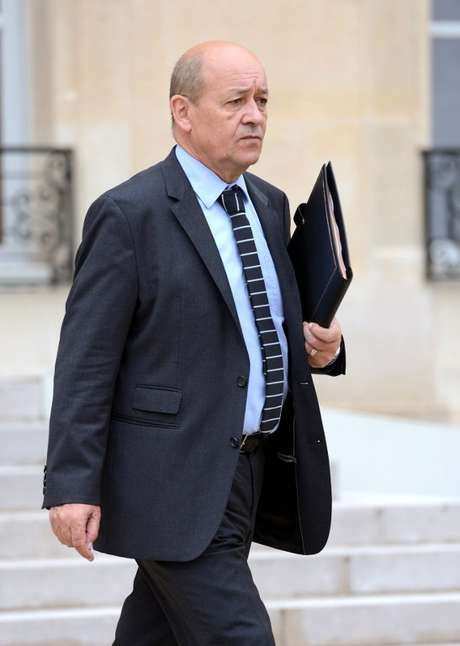 O ministro de Defesa francês, Jean-Yves Le Drian