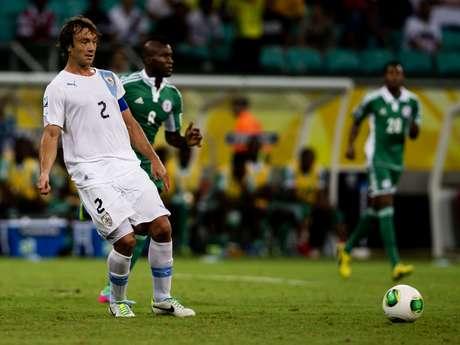 <p>Zagueiro vê seleção uruguaia em recuperação nas Eliminatórias Sul-Americanas</p>