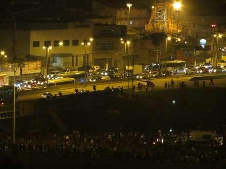 <p>O protesto na rodovia Anchieta complicou o trânsito na região</p>