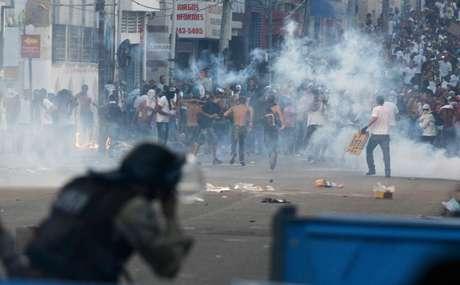 Confronto nas ruas de Salvador durante protesto nesta quinta-feira