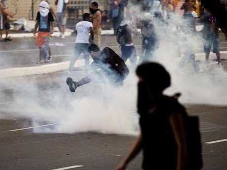 <p>Insatisfação popular crescente no Brasil coloca temores sobre eventos esportivos</p>