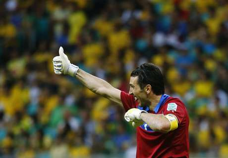 <p>Gianluigi Buffon criticó el arbitraje en el juego ante los brasileños.</p>