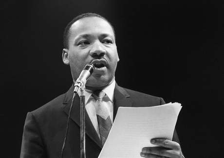 <p>Martin Luther King, defensor dos direitos civis dos negros nos Estados Unidos</p>