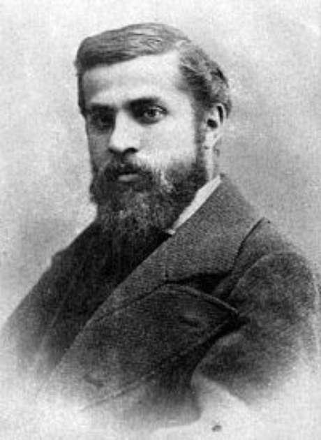 <p>Antoni Gaudí dedicou boa parte da vida para construir a Igreja da Sagrada Família</p>