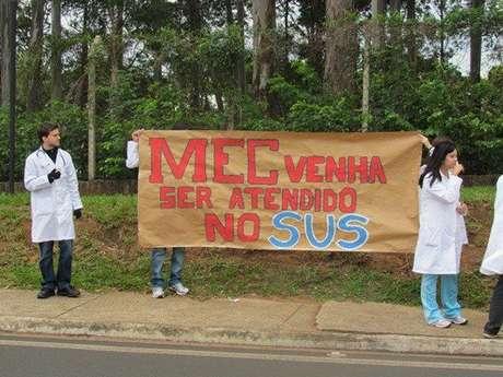 <p>Os estudantes da UFSCar cobram uma solução urgente do MEC para os problemas do curso</p>