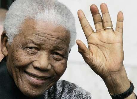 <p>Mandela, considerado sinónimo de paz, lucha y reconciliación, fue el primer presidente (1994-1999) sudafricanode la historia de su país.</p>