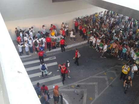 <p>O manifestante foi levado aoHospital João XXIII</p>