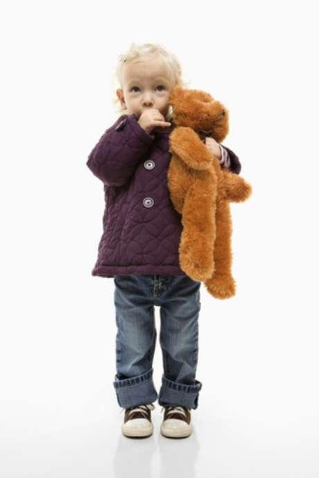 A menudo los niños se chupan el pulgar cuando se sienten inseguros