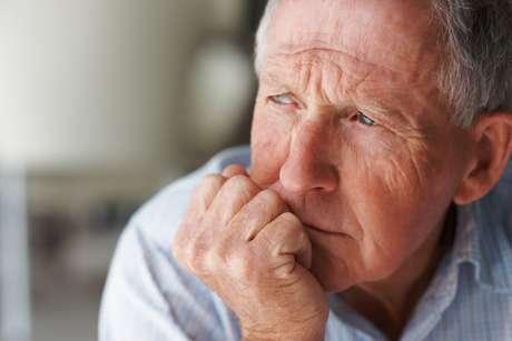 <p>Fenômeno da multiplicação dessas células podeexplicar também porque a pele envelhece com o passar dos anos</p>