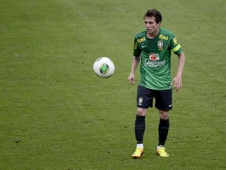 <p>Jogador foi campeão da Copa das Confederações com a Seleção Brasileira no domingo</p>