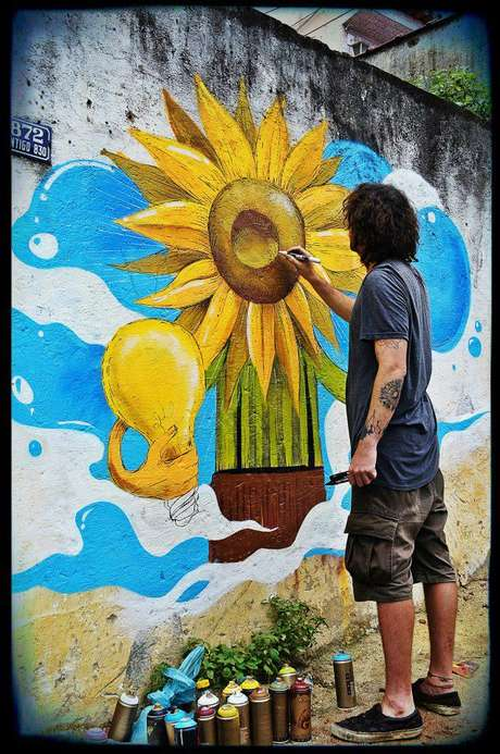 Artistas participam do projeto, que pretende estimular a leitura entre crianças e adolescentes