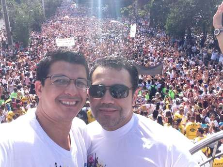 <p>No sábado, Marco Feliciano participou da Marcha para Jesus, em São Paulo, epublicou foto em seu perfil do Twitter</p>