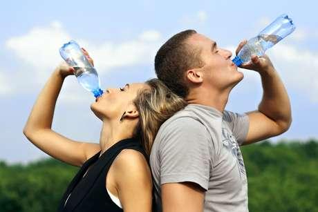 <p>Ficar com sede é um indicador infalível de que o corpo precisa deágua</p>