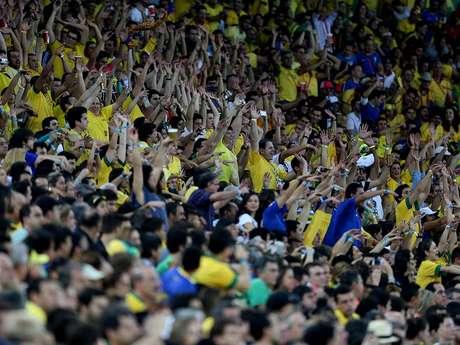 <p>Torcida teve dificuldades com internet durante a Copa das Confederações</p>