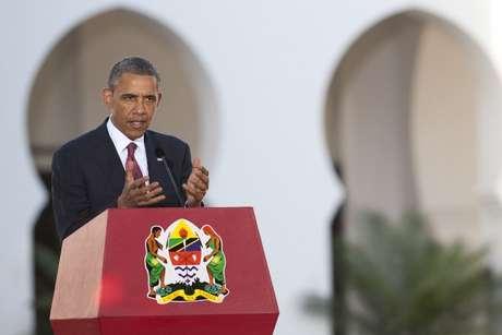 Obama fala durante a entrevista coletiva na Tanzânia