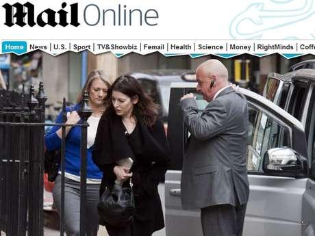 Nigella Lawson estava acompanhada da irmã e dos filhos