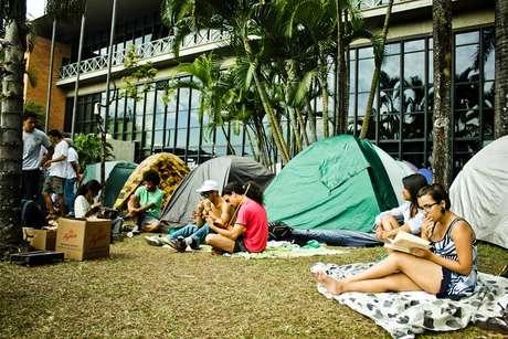 Manifestantes ocupam a Câmara Municipal de Belo Horizonte a quatro dias, e pedem diálogo com o prefeito da cidade, Márcio Lacerda (PSB)