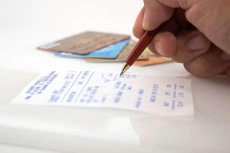 <p>Comprovante de despesaé necessário para quem optar pela declaração completa</p>