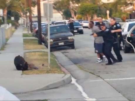 Polícia mata cachorro de homem que filmou ação policial