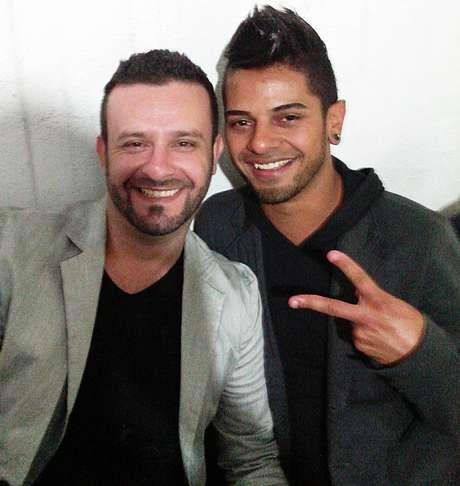 <p>Robson e Rodrigo se conheceram em uma balada e são casados há dois anos e meio</p>