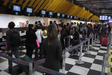 Aeroporto de Congonhas registrou filas na manhã desta terça-feira em São Paulo