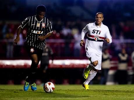 <p>São Paulo deLuís Fabiano foi derrotado no Morumbi por 2 a 1</p>