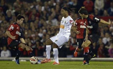 <p>Ronaldinho não demonstrou magia de sempre, segundo argentinos</p>