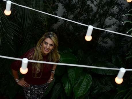 """<p>Isa Souza conta seu lema: """"acomida tem que ser fácil de fazer e ter sabor""""</p>"""