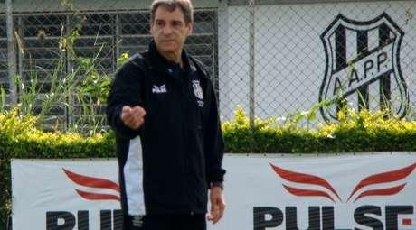 Carpegiani faz sua estreia no comando da Ponte