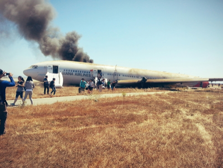 <p>El 6 de julio, un Boeing 777, de la empresa coreana Asiana Airlines, se estrelló mientras aterrizaba en el aeropuerto de San Francisco, Estados Unidos. El 11 de julio, Cinco personas resultaron lesionadas en un choque doble provocado por agentes de la Policía Ministerial que circulaban a exceso de velocidad en el estado mexicano de Chihuahua.</p>