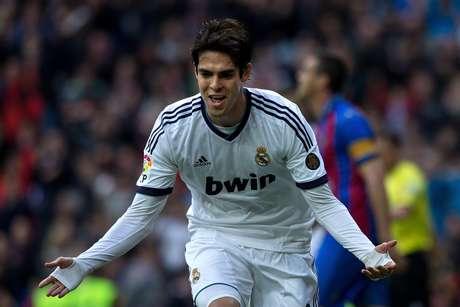 <p>Kaká quer ficar no Real, mas vai perdendo espaço no time espanhol</p>