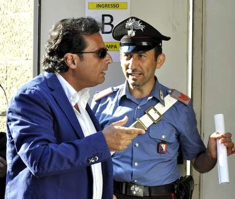O capitão Francesco Schettino chega em tribunal de Grosseto nesta terça-feira