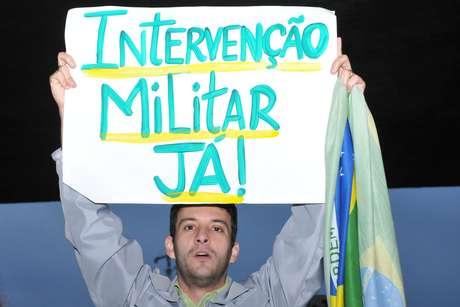 Protesto partiu do vão livre do Masp e seguiu pela avenida Paulista