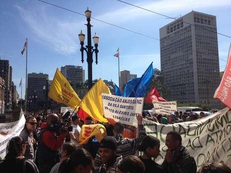 <p>O grupo se reuniu em frente ao prédio da prefeitura de São Paulo</p>