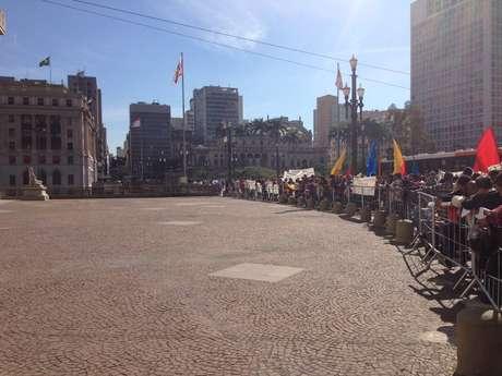 <p>O protesto era por moradias populares</p>