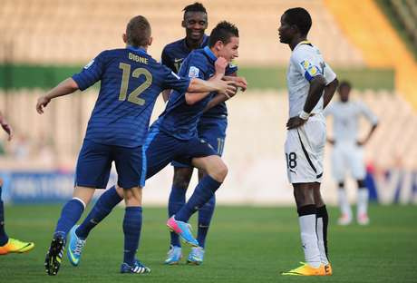 <p>Thauvin marcou os dois gols da França na semifinal</p>