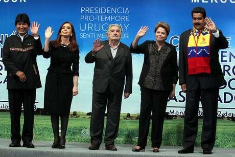 Da esquerda para a direita: Evo Morales, Cristina Kirchner, Pepe Mujica, Dilma Rousseff e Nicolás Maduro