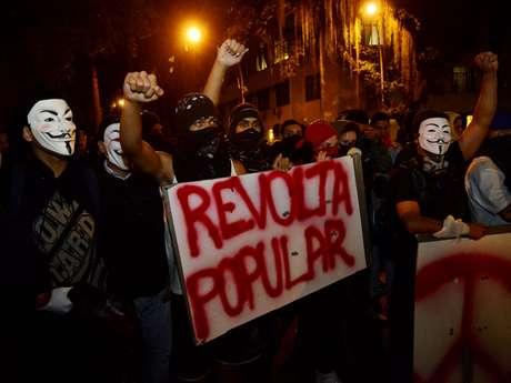 <p>Protesto contra os políticos tomaram conta do País nos últimos meses</p>
