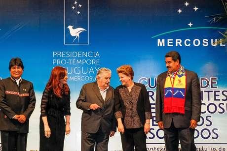 Presidenta Dilma Rousseff posa para foto oficial durante Cúpula dos Estados Parte e Estados Associados do Mercosul e convidados especiais