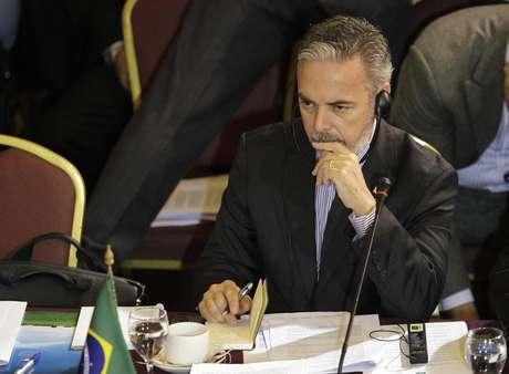 O ministro de Relações Exteriores, Antonio Patriota, falou com a imprensa nesta quinta-feira