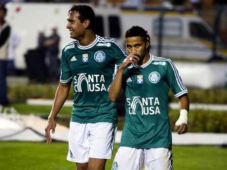 <p>Serginho (à direita) é amigo de Neymar desde a categoria de base do Santos</p>
