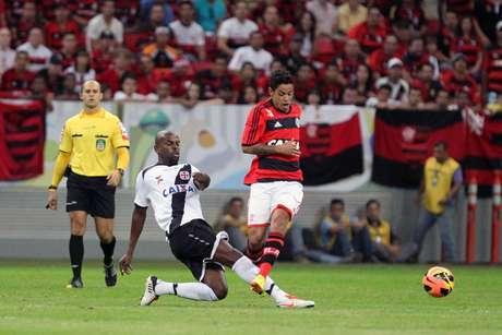 <p>Flamengo contou com apoio da torcida para vencer o Vasco neste domingo</p>