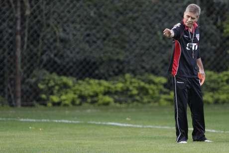 <p>Autuori acumula duas derrotas seguidas enão conseguiu aliviar a situação conturbada que vive o São Paulo</p>