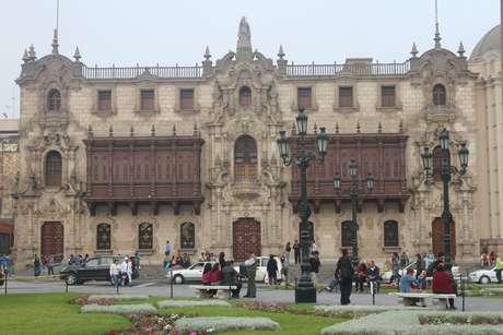 <p>Em 1756, a catedral recebeu os restos mortais do conquistador espanhol Francisco Pizarro, que ocupam uma capela feita de m&aacute;rmore</p>