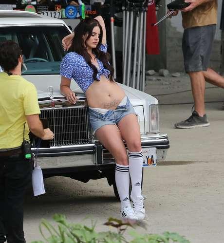 Lana Del Rey durante gravação de clipe em Los Angeles