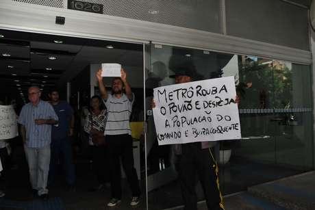 Manifestantes ocuparam o prédio na região central de São Paulo