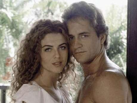 <p>Margarita Rosa de Francisco y Guy Ecker lograron conquistar al público con la historia de amor entre 'La Gaviota' y 'Sebastián' en la exitosa telenovela 'Café con Aroma de Mujer' (1994).</p>